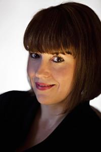 Lenora Bell - Author Photo